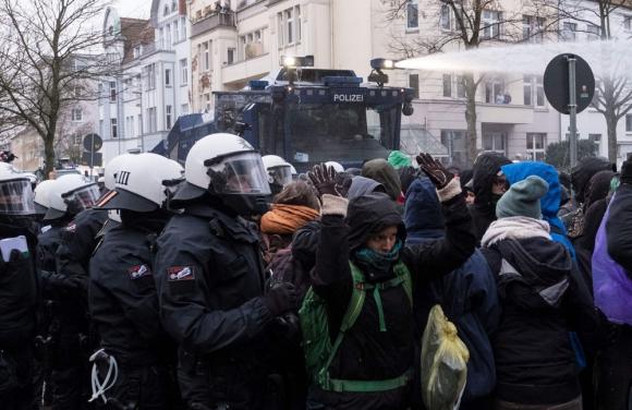 Protestas en la ciudad alemana de Hanóver. Foto: AFP