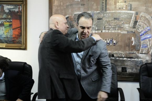 José Luis Rodríguez y Martín Lasarte en la llegada a Nacional del DT. Foto: Darwin Borreli