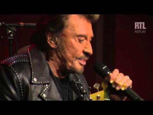 "Johnny Hallyday canta ""Rester vivant"" en 2014"