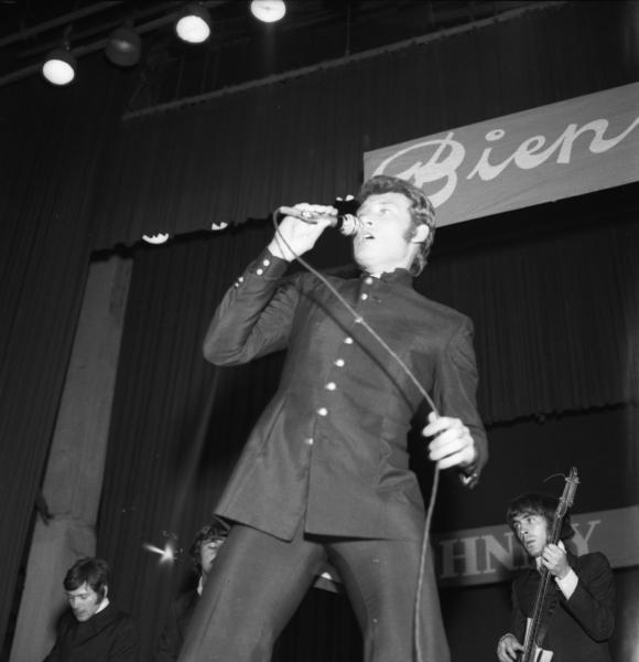 Johnny Hallyday en su visita a Montevideo en 1967. Foto: archivo El País