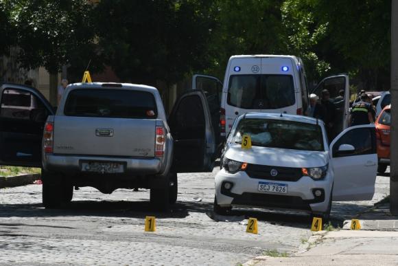 Policía Científica se ocupó de realizar pericias en Brazo Oriental. Foto: A. Colmegna
