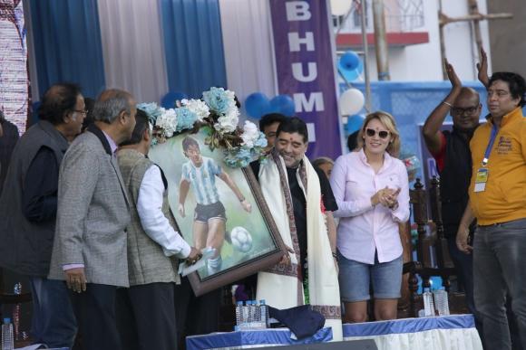 Maradona es recibido en la India. Foto: EFE