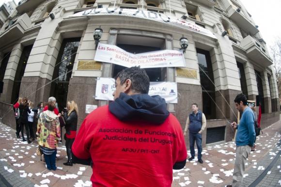 Deuda: se reclama US$ 70 millones para 4.000 trabajadores. Foto: F. Ponzetto