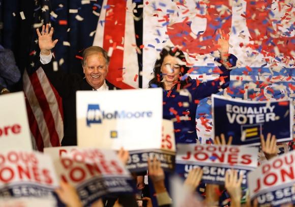 La primera victoria demócrata en 25 años en uno de los estados más conservadores. Foto: AFP
