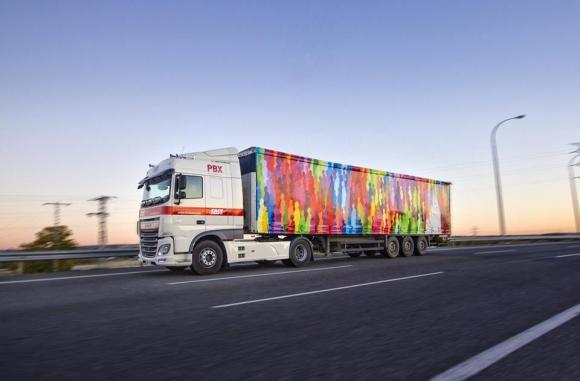 """Colsa. """"¿No te gustaría pintar un camión?"""", le dijo a un artista urbano."""