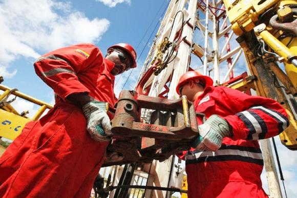 Gobierno autorizó explotación de gas no asociado a petrolera rusa
