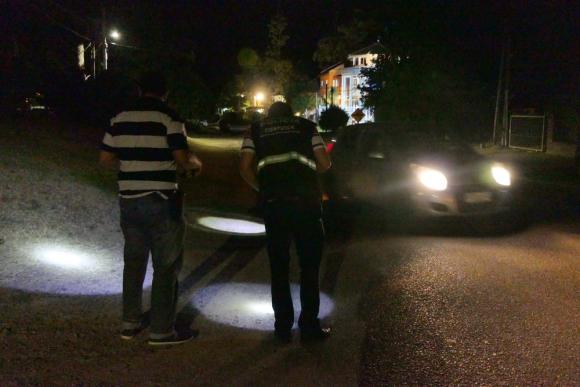 La Policía de Maldonado en el barrio Pinares, donde fue baleada la pareja. Foto: R. Figueredo
