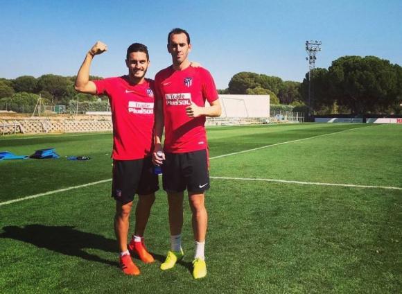 Koke y Diego Godín en el entrenamiento del Atlético. Foto: @koke6