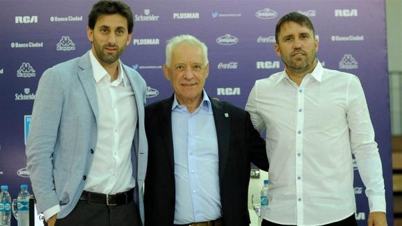 Diego Milito, Víctor Blanco y Eduardo Coudet, en Racing. Foto: La Nación / GDA
