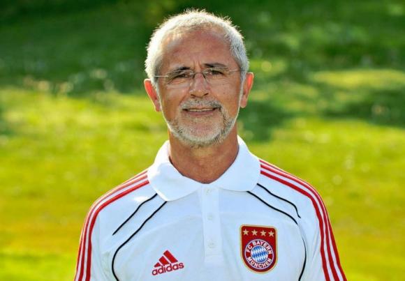 Gerd Müller como entrenador del Bayern Münich