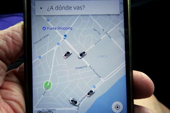 Cinco minutos antes de lo anunciado, Uber ya ofrecía viajes en Punta del Este. Foto: R. Figueredo