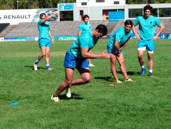 Los Teros entrenan en el Centro Charrúa. Foto: @RugbyUruguay.