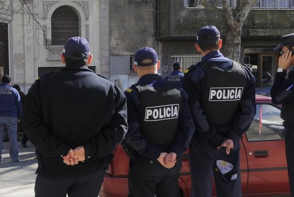 Policías creen que Interior utilizó una base de cálculo errónea para definir salarios. Foto: Archivo El País