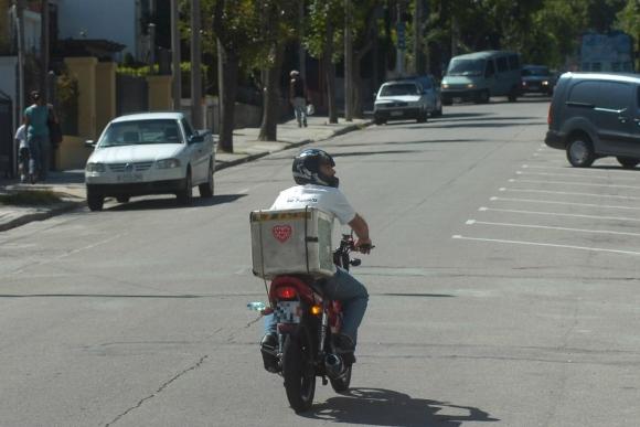 A partir del 1° de enero los deliveries deberán estar registrados. Foto: archivo El País.