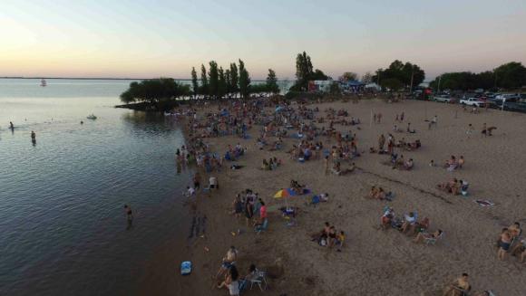Argentinos y uruguayos van a Las Cañas para pasar unos días de tranquilidad. Foto: D. Rojas