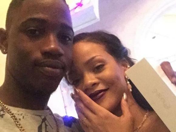 Rihanna junto a su primo Alleyne. Foto: Instagram