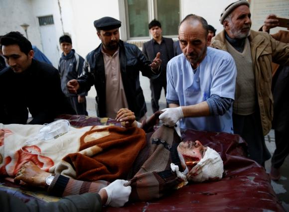 El ataque estaba dirigido contra la minoría musulmana chií. Foto: Reuters