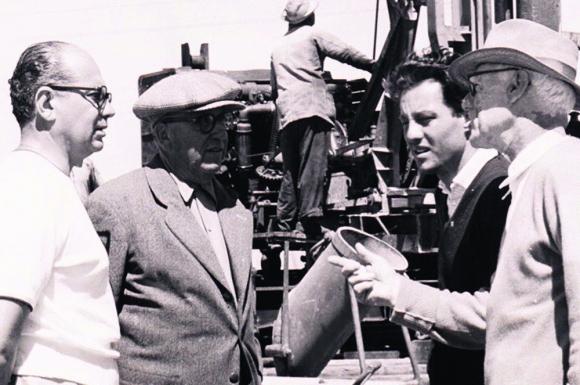 Julio César Aranda, a la izquierda, y el Arq. Guillermo Armas O'Shanahan a la derecha. Foto: gentileza Martín e Ignacio Aranda