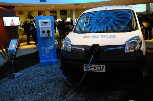 UTE: para comprobar la eficiencia de los vehículos eléctricos, la empresa ya adquirió 60 camionetas. Foto: Archivo