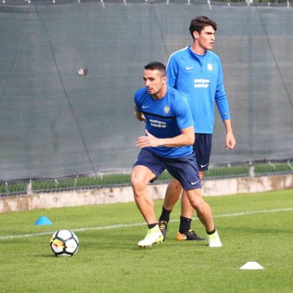Alejandro González entrenando en Hellas Verona