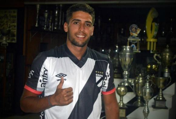 Nicolás Prieto se puso la camiseta de Danubio
