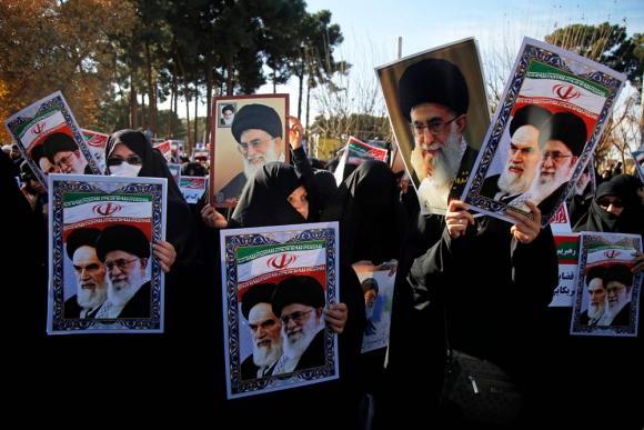 Miles se manifiestan en Irán para condenar protestas antigubernamentales