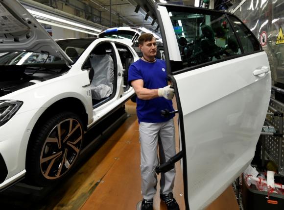 Industria: producción comenzó a caer en Brasil en 2013. Foto: Reuters