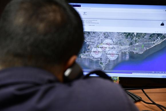 El Ministerio del Interior creará una aplicación con botón de pánico para cuando no haya tobilleras. Foto: F. Ponzetto