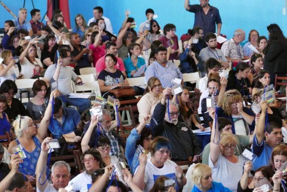 Educación: Congreso cuestionó exoneraciones a privados. Foto: Ricardo Figueredo