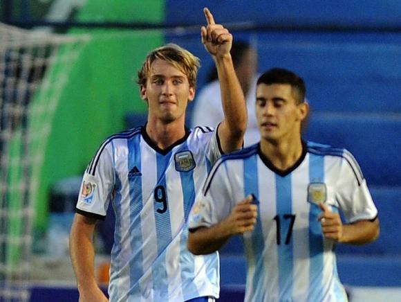 Matias Roskopf festejando el gol de Argentina contra Colombia en el Sudamericano sub 17. Foto: AFP