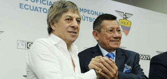 Francisco Casal y Carlos Villacís el día de la firma del contrato