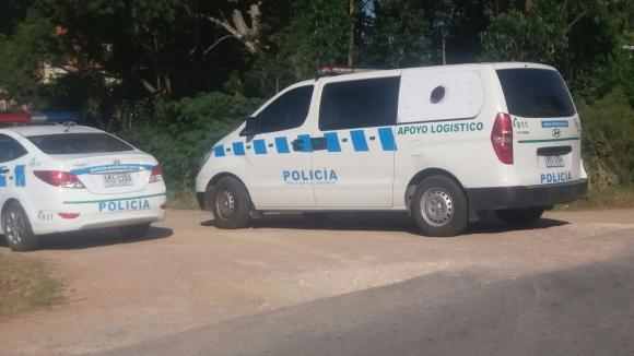 Policía Científica trabaja para poder identificar a la persona. Foto: El País