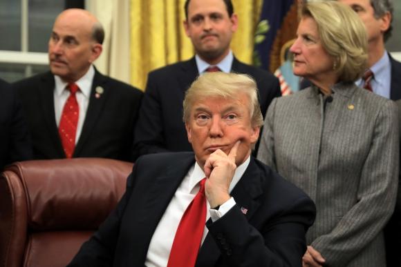 El presidente criticó primero la ley de espionaje, dos horas después se desdijo y la apoyó. Foto: Reuters