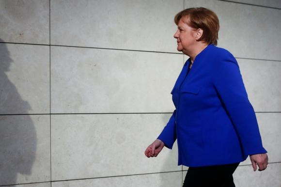 La canciller alemana arribando a la reunión con SPD. Foto: Reuters
