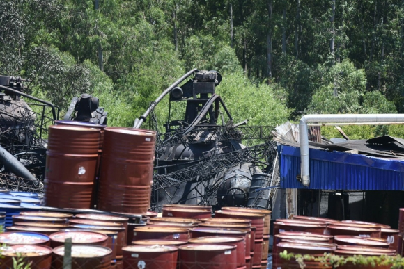 La fábrica incendiada el día después. Foto: Marcelo Bonjour