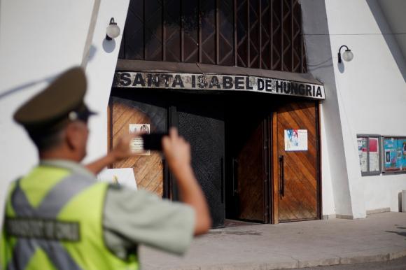 Santiago la Iglesia Santa Isabel de Hungría fue blanco de un ataque
