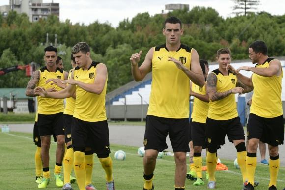 Peñarol jugó su primer amistoso hoy en Colonia. Foto: Marcelo Bonjour.