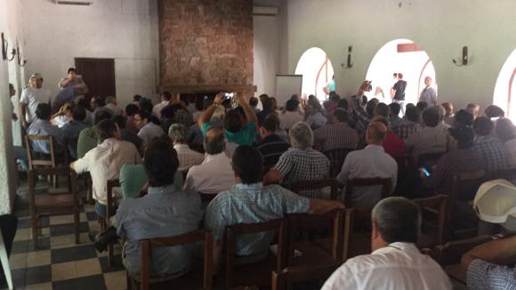 Productores decidieron en Durazno enviar un documento al gobierno. Foto: El País