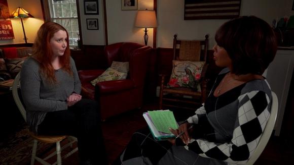 Dylan Farrow en entrevista con CBS. Foto: difusión