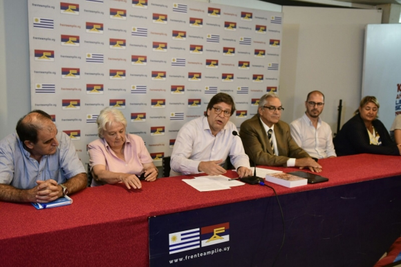 El Secretariado del FA se reunió por el conflicto entre el gobierno y el agro. Foto: Marcelo Bonjour