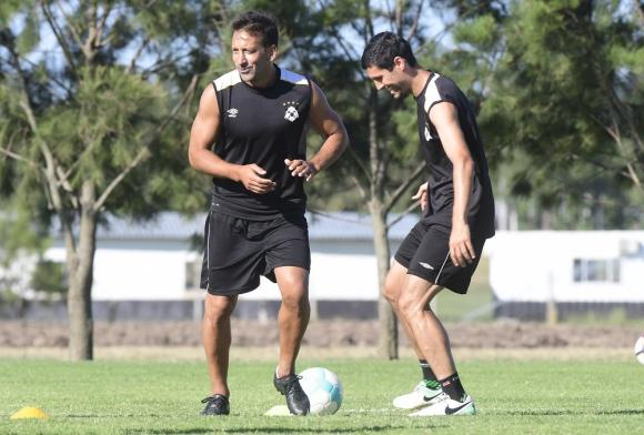 """Experientes. Sergio Blanco y """"Nacho"""" González al mando del plantel. Foto: Marcelo Bonjour"""