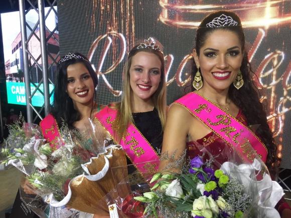 Las ganadoras del certamen Reina del Lago 2018. Foto: Néstor Araújo