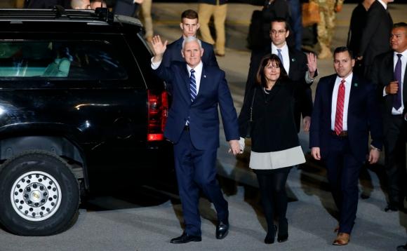 Pence visitó Egipto y Jordania, donde recibió reclamos por los dichos de Trump. Foto: AFP