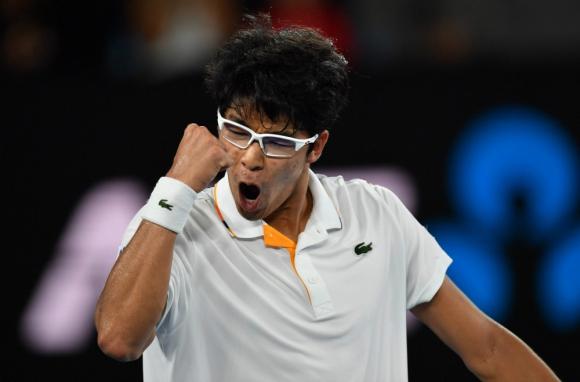 Chung Hyeon, de 21 años, celebra su triunfo sobre Djokovic