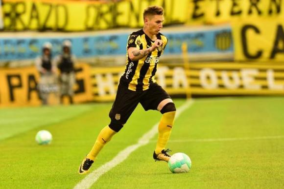 Ramón Arias volvió a la zaga — Peñarol