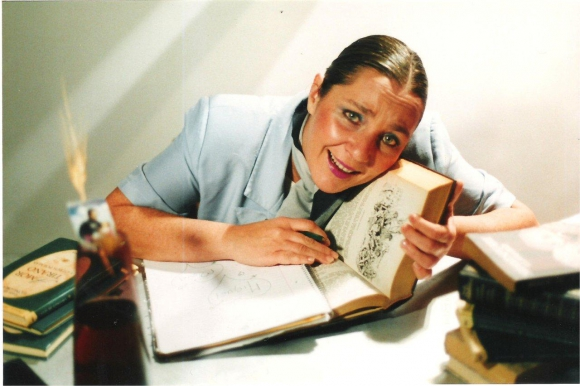 María Rosa Frega encarna a La Suplente en unipersonal