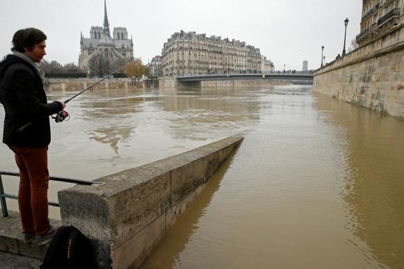 Crecida del río Sena en París. Foto: Reuters