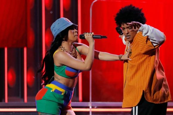 Bruno Mars y Cardi B