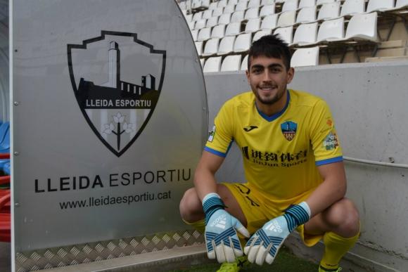 Santiago Mele con la camiseta del Lleida de España