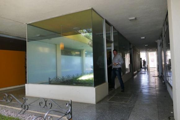 Allanan oficia del abogado Damián Burgueño, relacionado a Balcedo. Foto: Ricardo Figueredo